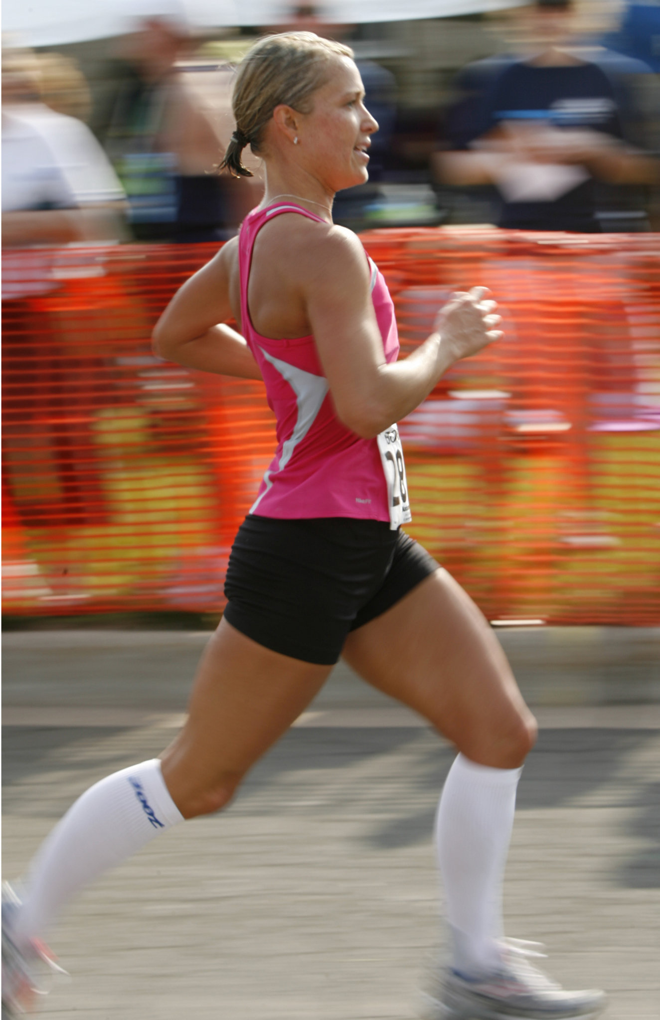 female-runner-in-knee-socksjpg-74f7c0fee21cb38e